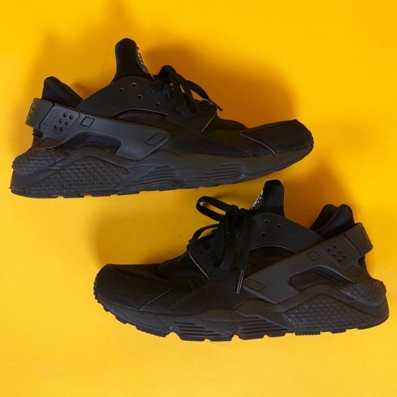 fc350c9ec302 Men s NIKE Air Huarache Shoes - Black